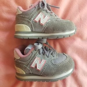 New balance baby girl size2 sneakers tennis shoes